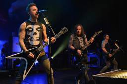 Bullet For My Valentine - Her Voice Resides (live)
